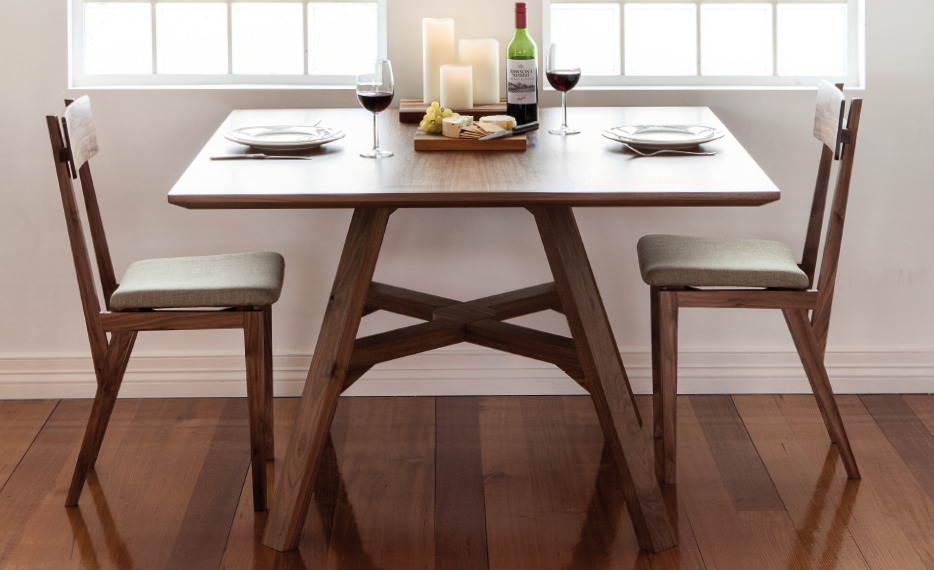 934x570px_collapsible_table01